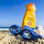 Geldversteck im Urlaub am Strand in Sonnencreme