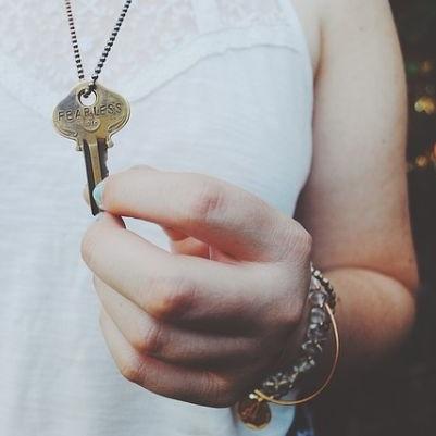 Schlüsselschrank im Holz Design